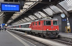 Zürich HB 10.08.2017 (The STB) Tags: bahn eisenbahn schweizereisenbahnen schweizerbahnen dieschweiz swissrailways switzerland swisstrains train railway