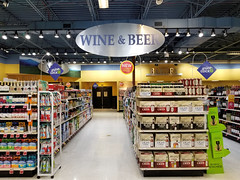 Wine & Beer (Nicholas Eckhart) Tags: america us usa 2018 marion indiana in retail stores needlers fresh market former reuse marsh supermarket groceries interior