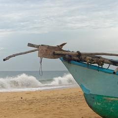 traditional boat (idanona) Tags: boat boot beach strand meer ocean narigamabeach hikkaduwa srilanka