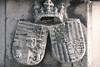 Escudo del castillo Budapest (Shield In Buda Castle) Hungary (Leo Singer) Tags: budapest dia day castle castillo escudo shield wood stonework architecture