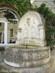 Fontaine Rue du Tertre de la Tente , SAINT-ÉMILION (Clément Quantin) Tags: saintémilion tourisme ville ruetertretente