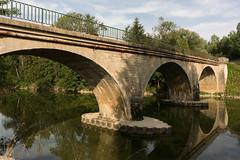 Les ombres ... (Tiolu.) Tags: pont rivière eau ombres nikon 1v3