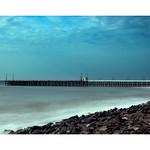 Agréable promenade le long de la mer à Pondichéry thumbnail