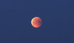 Full Lunar Eclipse_2018_07_28_0023m1 (FarmerJohnn) Tags: moon kuu kuunpimennys eclipse lunar lunareclipse partial fulllunareclipse osittainen täydellinenkuunpimennys fulllunareclipse27thjuly2018 luna moonlight kuutamo january winter tammikuu talvi 27thjuly2018 2772018 full fullmoon canon canoneos5dmarkiii canonef70200l40isusm suomi finland laukaa valkola anttospohja juhanianttonen
