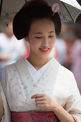 natural (byzanceblue) Tags: kyoto maiko geisha geiko kagai japan japanese woman girl female beauty cute beautiful 京都 kimono gion dance lovely 舞妓 舞踊 traditional kanzashi formal 祇園 black 花街 white color colour flower nikkor background people photo portrait professional lady lovery 芸妓 着物 bokeh red traditonal summer natural 祇園甲部 祇をん ぎをん fresh
