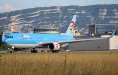 Boeing 767-324(ER). I-NDDL. Arkia IZ522. (Themarcogoon49) Tags: arkia hybrid boeing b767 aircraft planespotting gva lsgg cointrin airport switzerland avgeek aviation