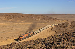 Aqaba Railway Corporation 702 + 704 Batn al Ghul (II) (OliverHeckmann) Tags: jordanien jordan aqaba railway corporation arc 702 704 ge u24c aqabaelhedschasije phosphatzug phosphatetrain hedjazbahn eshidiya