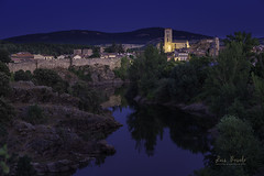 Buitrago del Lozoya (Luis R.C.) Tags: buitrago azul pueblos paisajes nocturnas edificios rio reflejos nikon d610