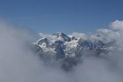 Pigne d'Arolla 3796 mètres (bulbocode909) Tags: valais suisse moiry grimentz evolène valdanniviers valdhérens coldetorrent pignedarolla nuages paysages neige montagnes nature bleu groupenuagesetciel