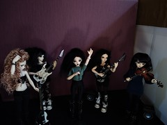 Rock is not only for bad boys! (luxatica) Tags: minifee fairyland doll bjd mnf rock metal music sircca mnfsircca minifeesircca mirwen mnfmirwen minifeemirwen chloe mnfchloe minifeechloe shushu mnfshushu minifeeshushu