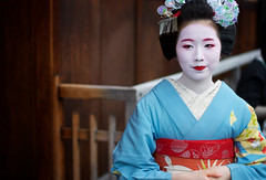 Geisha in Gion Kyoto, Japan (WOfoto) Tags: japan asia kyoto gion giesha travel portret traditional japanese girl nikon d7200