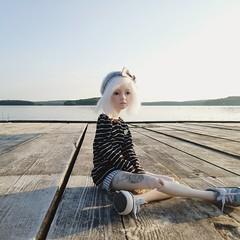 . (Silenceer) Tags: narae n404 narae404 bjdhybrid doll leaves dollleaves lake bjd