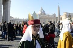 Sternsinger in Rom (Katholische Kirche Vorarlberg) Tags: sternsinger drei könige rom petersplatz caroller caroler carols rome stpeterssquare vatikan vatican