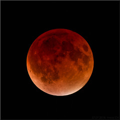 the red lantern (Bernergieu) Tags: moon mond mondfinsternis rot red