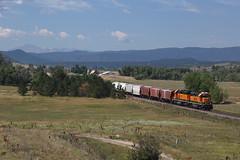 BNSF 2704 Castle Rock 24 Jul 18 (AK Ween) Tags: bnsf bnsf2704 emd gp392 gp393 castlerock colorado jointline rampartrange pikespeak pikespeaklocal ppl train railroad