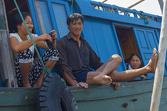 Fisherman's family (yuriye) Tags: yuryelysee yuriye fishing fisherman boat ship viet vietnam asia people man woman smile event picknic blue low tide quanlan halong ha long bay board relax cam pha campha семья рыбак вьетнам family genre