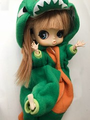 rawr !!! (angelwxngs) Tags: planning jun junplanning dinosaur obitsu doll michelle pollon byul
