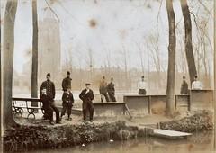 Kazerneplein Gorinchem, april 1898 (Barry van Baalen) Tags: 1898 gorinchem gorcum gorkum kazerneplein soldiers soldaat soldaten soldats groep group kerktoren toren tower