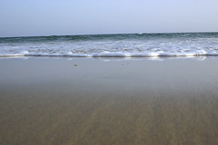 0060720115 (pedroalarcon) Tags: blue sea summer holiday beach water azul landscape mar sand agua holidays waves wave playa paisaje arena verano cadiz olas bolonia vacaciones tarde ola azur tarifa espuma veraneo
