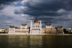országház (parliament) (* tathei *) Tags: city travel sky cloud canon river eos europe hungary budapest parliament 5d dslr duna buda pest hungaria 28135mmis orszaghaz