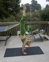 Morning yoga at Rita's place (nathalie booth) Tags: california santacruz yoga america handstand nottakenbyme aptos photobydavid nathaliepahudbriquet