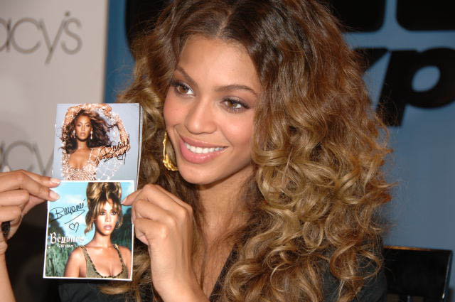 Celebrity haircut styles Beyonce long hairstyle trends for this year of 2008