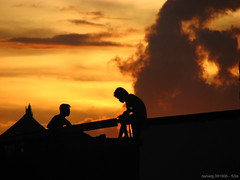 Up On the Roof - S3isRooftop_1 (Daniel Y. Go) Tags: roof sunset sky men rooftop silhouette canon philippines powershot fpc s3is onecentshot abigfave wowiekazowie teampilipinas gettyimagesphilippinesq1