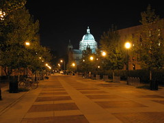 towards the cathedral (aNgeLinRicHmoNd) Tags: night canon virginia is shots richmond vcu s3