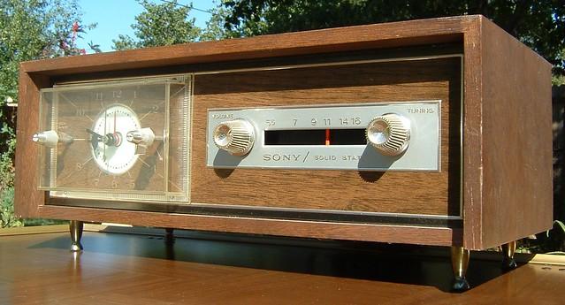 clock radio vintage sony 8rc34a
