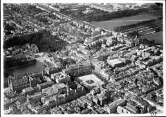 Den Haag Centrum, 1921 (blacque_jacques) Tags: 1920s netherlands nederland denhaag hague oldphoto klm luchtfoto hofvijver jaren20 aerialfoto