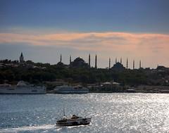 istanbul (H e r m e s) Tags: blue light sea sky water clouds turkey boat türkiye istanbul fave bluemosque topkapıpalace vapur hagiasophia abigfave bfv1