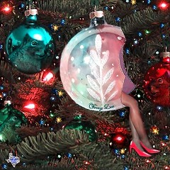 Have yourself a merry little Christmas (Terry_Lea) Tags: decorations interestingness squirrels christmastree ornaments animation hotheels abigfave terryslegs