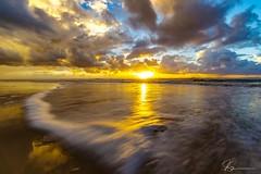 Fraser dawn... (e0nn) Tags: steev steveselbyphotography steveselby pentaxk1 pentax ricoh sunrise dawn beach fraserisland australia sand