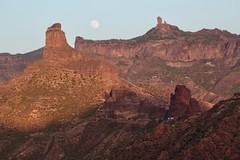 Roque Nublo, Bentayga & Moon (rvr) Tags: luna moon roque nublo bentayga grancanaria canaryislands