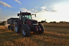 DSC_0393 (anetaležáková) Tags: summer sunset summerharvest sunnydays harvest agriculture agriphoto czechagri caseihpuma case casepuma165 caseoptum casepuma200 claas claaslexion newholland