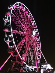 The wheel (Irina.yaNeya) Tags: dubai uae emirates city urban architecture night ferriswheel pink light iphone metal dubái eau arquitectura ciudad noche noria luz دبي‎‎ الامارات مدينة فنمعماري ليل ضوء عجلة дубаи оаэ эмираты город архитектура ночь колесообозрения подсветка