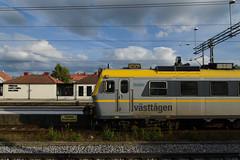 Sunlight on a Västtågen X12 Unit (KOKONIS) Tags: emu x12 västtågen nikon d600 scandinavia skandinavia europe europa sweden sverige västragötaland herrljunga railway järnväg tåg train