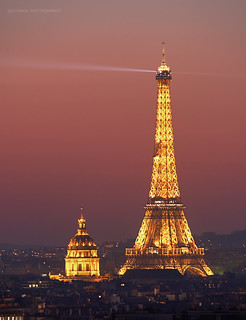 « Red hour » Eiffel Tower-Les invalides