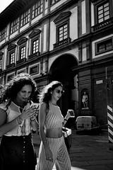 Florence, Italy (Uwe Printz) Tags: leicam10 20180605 firenze florenz italia italien italy leica m10 toskana tuscany street blackwhite bw