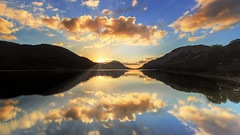 Kylemore Lough sunset (Ludovic Lagadec) Tags: irlande ireland irish connemara lough longexposure landscape ludoviclagadec lac mountains sky sunset sun travel paysage poselongue cloud reflets reflection