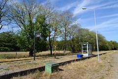 Råbäck station (KOKONIS) Tags: rural råbäck halt hållplats nikon d600 scandinavia skandinavia europe europa sweden sverige västragötaland kinnekullebanan railway järnväg