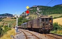 1985  17435  F (Maarten van der Velden) Tags: frankrijk france frankreich francia tournemire sncf sncfbb4154 sncfbb4100 train25603