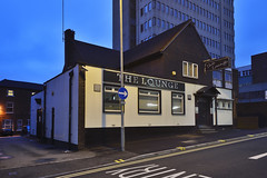 The Lounge, Freer Street, Walsall 27/07/2018 (Gary S. Crutchley) Tags: uk great britain england united kingdom urban town townscape walsall walsallflickr walsallweb black country blackcountry staffordshire staffs west midlands westmidlands nikon d800 history heritage local night shot nightshot nightphoto nightphotograph image nightimage nightscape time after dark long exposure evening travel street slow shutter raw
