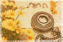 Memories..... (Jolie ♪ (busy, on/off)) Tags: vintage retro memory memories pocketwatch daisy time