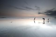 Sunset PhotoShoot (QusarUhr) Tags: bali sunset sonnenuntergang sea meer vacation urlaub holiday seminyak beach strand people menschen travel reisen