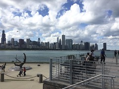 Chicago view (Rque) Tags: chicago city lakemichigan skyline sky clouds water shore