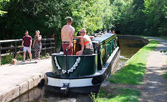HONEYMOONERS... (tommypatto : ~ IMAGINE. Removing non commenting co) Tags: pontcysyllteaqueduct pontcysyllte narrowboats boats barcos canals wales