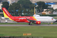 VN-A671 | Airbus A320-214 | VietJet Air (james.ronayne) Tags: vna671 airbus a320214 vietjet air aeroplane airplane plane aircraft jet jetliner airliner aviation flight flying singapore changi sin wsss canon 80d 100400mm raw