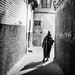 20140420-224435SW (AlexM.) Tags: marokko marrakech marrakesch marrakesh morocco night narrowlane man kapuze hood