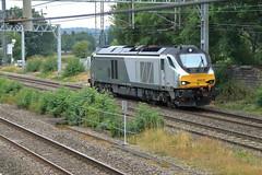 68010 'Oxford Flyer' (aledy66) Tags: 68010 005o 0935 wembley lmd crewe gresty bridge drs oxford flyer ef24105mm diesel freight train engine loco locomotive canon eos 6d 6d2 markii mk2 mkii railway railroad track rail